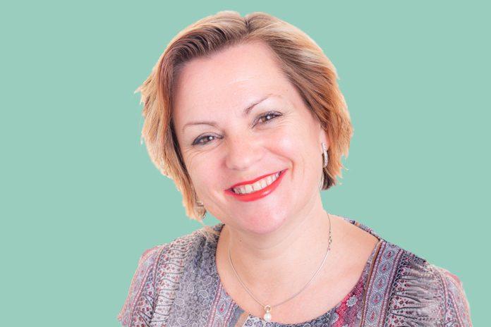 Melanie Barker, joint winner of the Cross-Functional Pf Award 2018