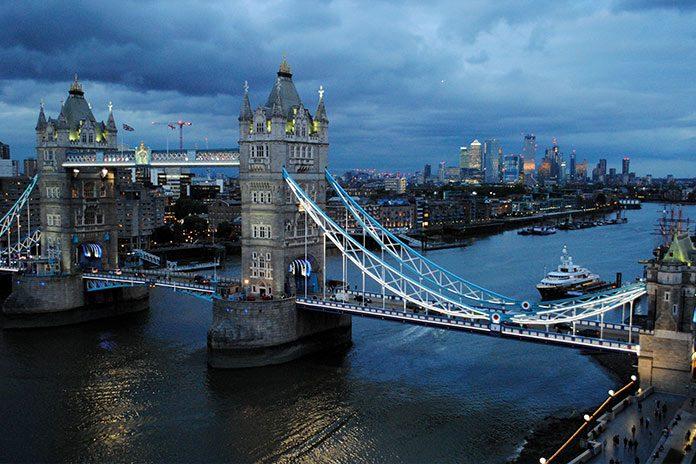 London Bridge: Pf Award Winners Club
