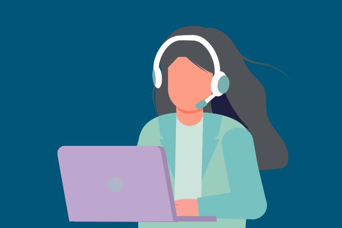 Imagen de una mujer con auriculares en una computadora portátil para mostrar las marcas farmacéuticas ganadoras: cambiar las reglas de un mercado